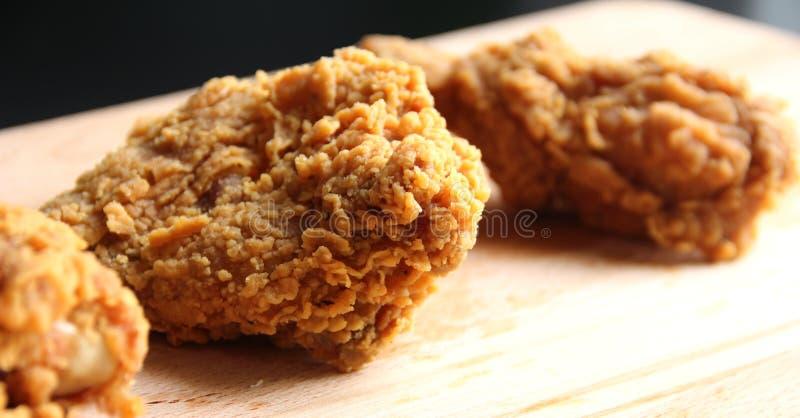 Fried Chicken - slut upp arkivbild
