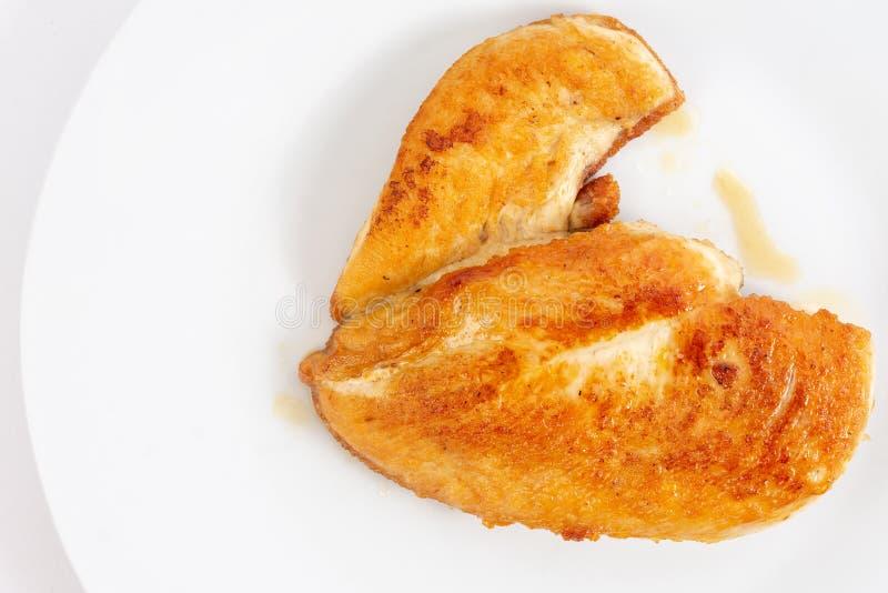 Fried Chicken White Meat Breast op de Witte Plaat stock afbeelding
