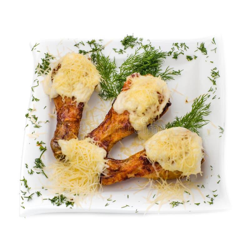 Fried Chicken Wings på vit arkivfoton