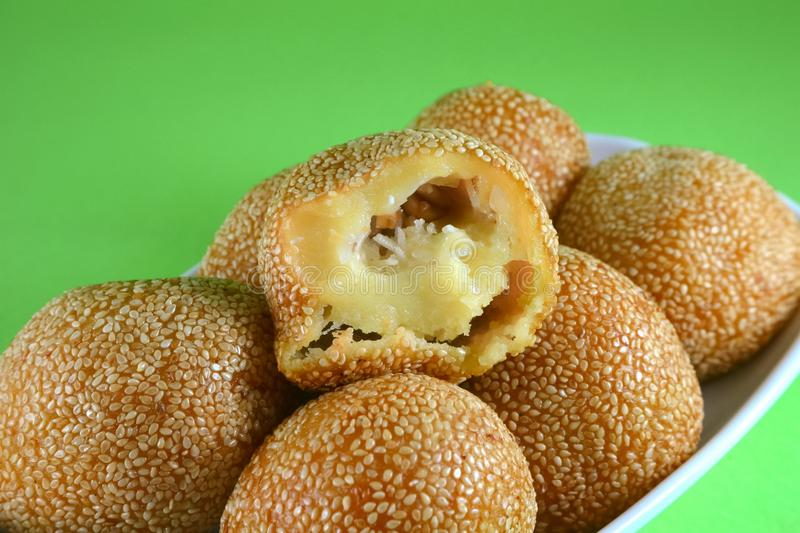 Fried Chinese Sesame Rice Ball fotografia stock libera da diritti