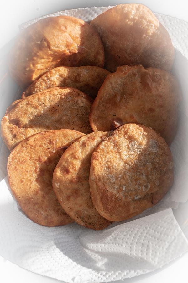 Fried Dhal Puris profond photos stock