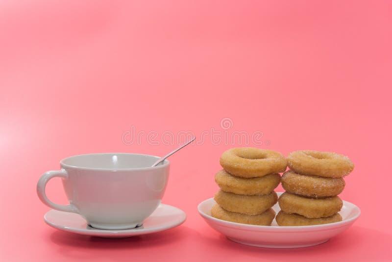Fried Donuts com cobertura do açúcar imagem de stock