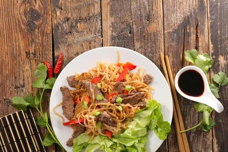 Fried Noodles mit Rindfleisch stockfoto