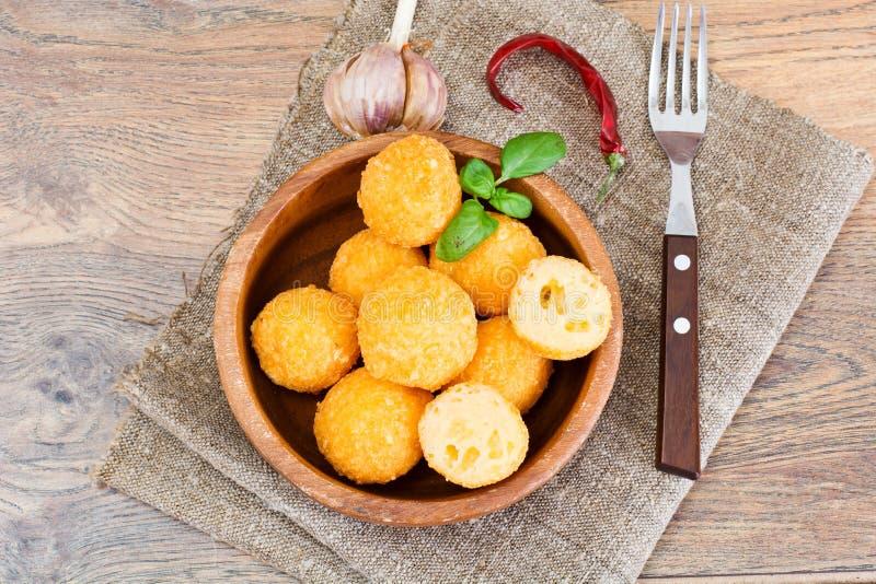 Fried Potato profond, boules de fromage photos libres de droits