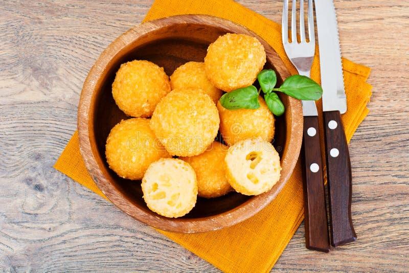 Fried Potato profond, boules de fromage photo libre de droits