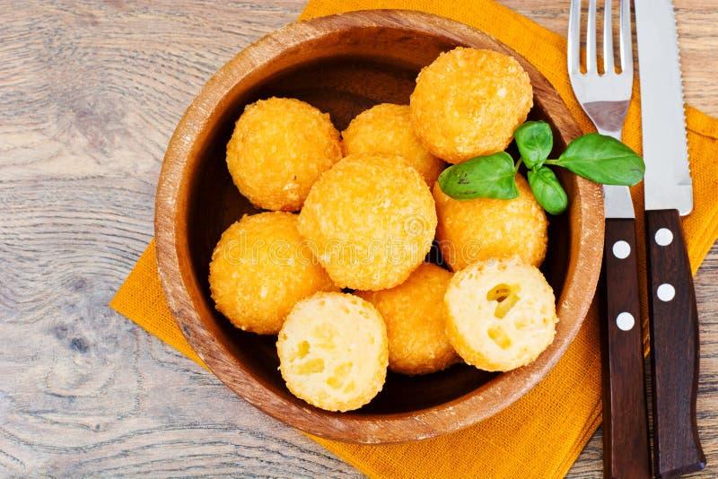 Fried Potato profond, boules de fromage images libres de droits