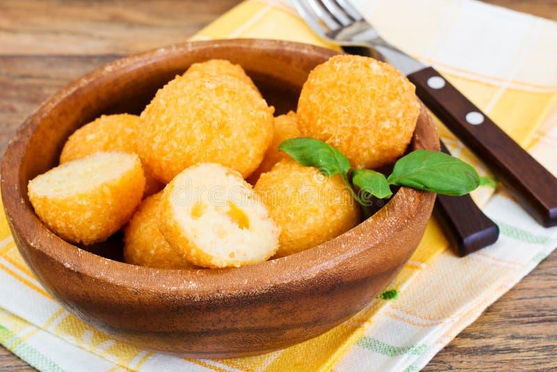 Fried Potato profond, boules de fromage image libre de droits