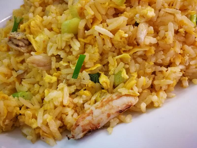 Fried Rice com ovos e vegetal do caranguejo fotos de stock