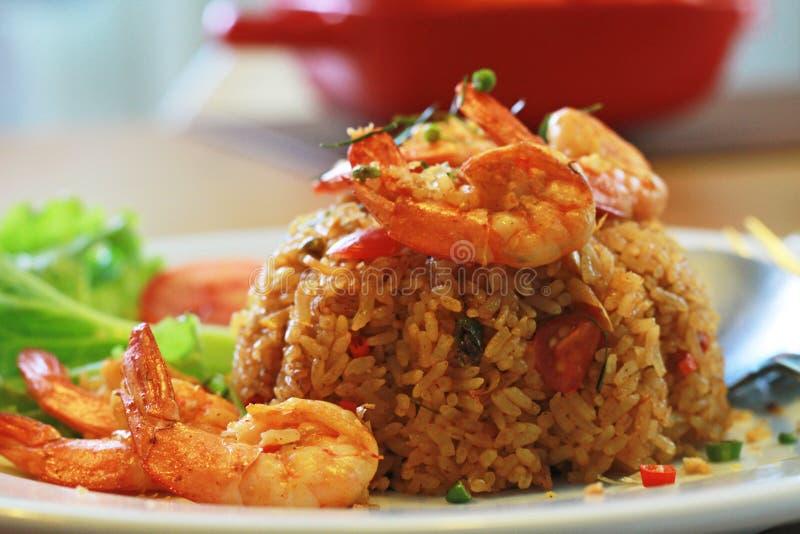 Fried Rice med Tom Yum Kung royaltyfri foto