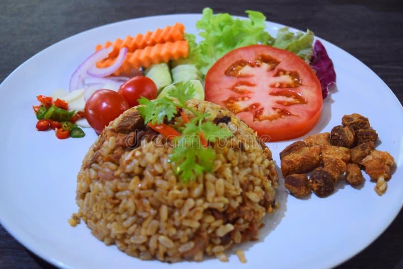 Fried Rice och sallad på Chiang Mai Royal Project arkivfoto