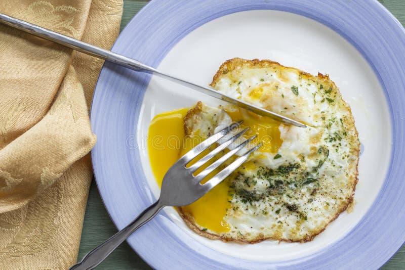 Fried Runny Egg Over Easy foto de archivo