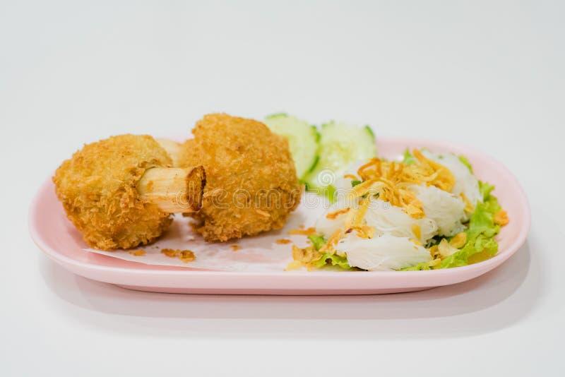 Fried Shrimp com Sugar Cane com macarronetes chineses, alimento de Vietname imagem de stock