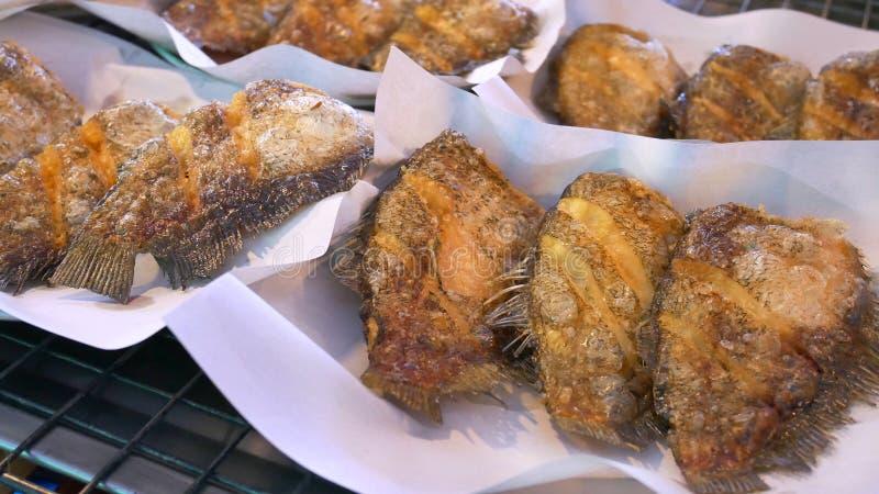 Fried Tasty Salted Skin Gourami-Fische lizenzfreie stockfotografie