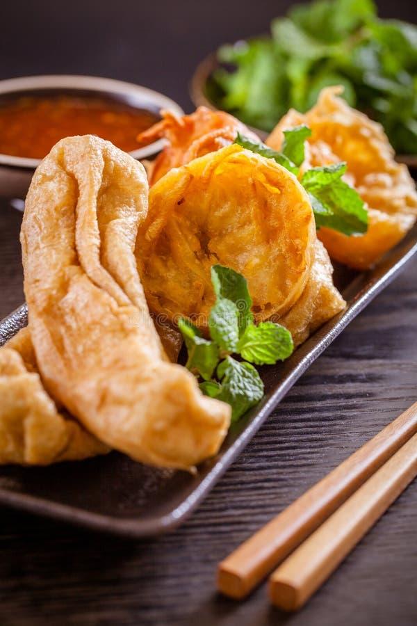 Fried Tofu och kryddig sås arkivfoton