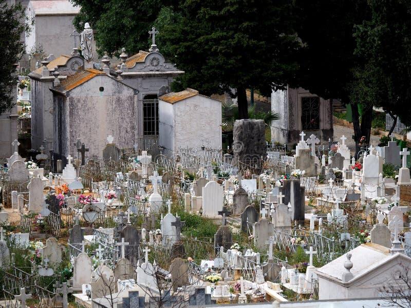 Friedhof oder Kirchhof in Faro Portugal lizenzfreies stockbild