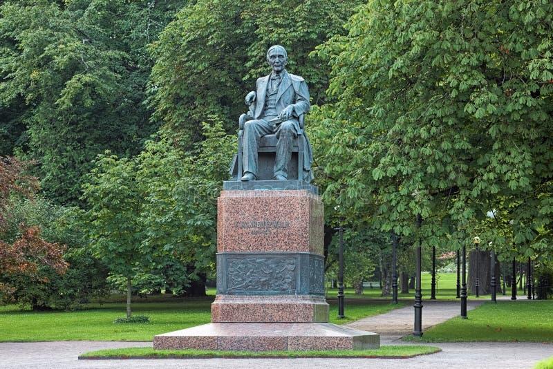 Friedrich Reinhold Kreutzwald Monument in Tallinn, Estland royalty-vrije stock afbeelding