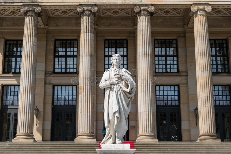 Friedrich Schiller Sculpture bij Konzerthaus-concertzaal, Gen stock fotografie
