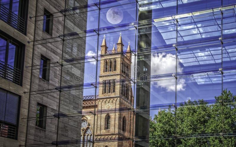 Friedrichswerder教会在柏林,射击通过玻璃墙 免版税库存图片