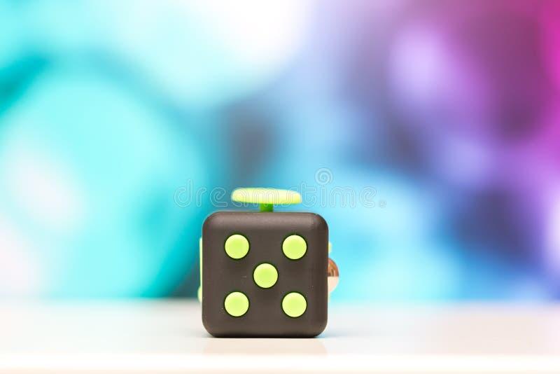 Friemel kubus antispanningsstuk speelgoed Het detail van het stuk speelgoed van het vingerspel wordt gebruikt die voor ontspant G royalty-vrije stock fotografie