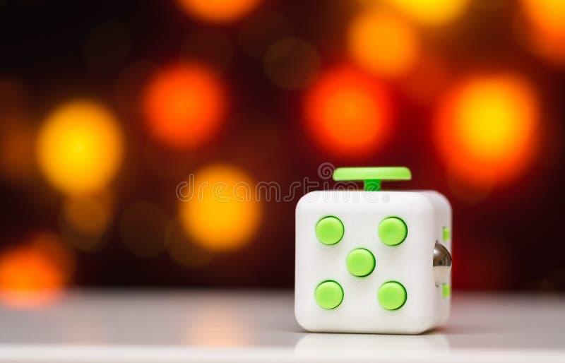 Friemel kubus antispanningsstuk speelgoed Het detail van het stuk speelgoed van het vingerspel wordt gebruikt die voor ontspant G royalty-vrije stock afbeelding