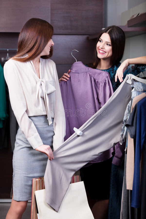 Free Friends Go Shopping Royalty Free Stock Image - 29528476