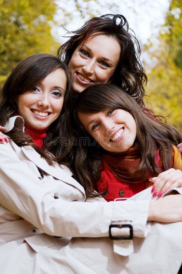 Free Friends In The Park Royalty Free Stock Images - 6724449