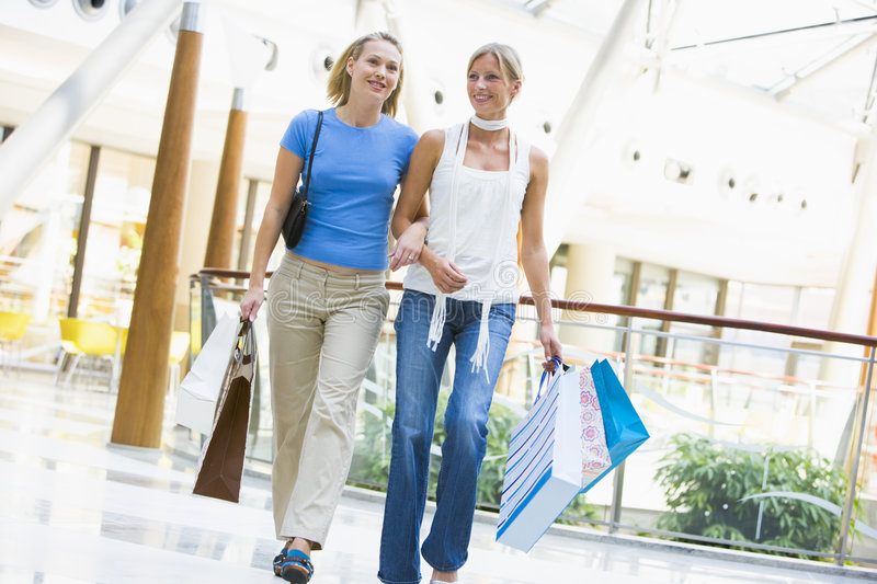 Friends Shopping In Mall Royalty Free Stock Photo