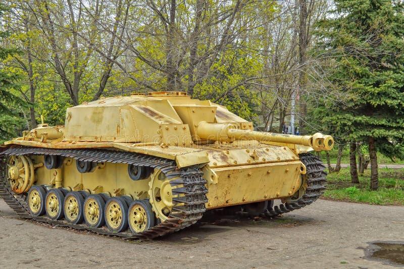 Frigörare för installation StuG-3 1940 för anfall självgående som var i service med soldaterna av Tyskland royaltyfria bilder