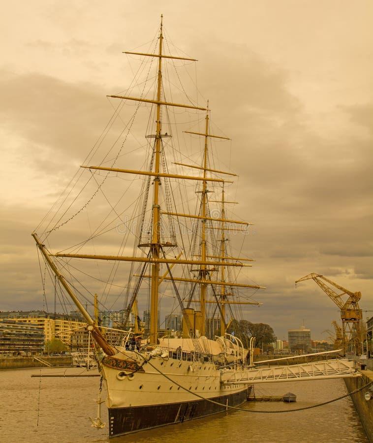 Frigatepresident Sarmiento Buenos Aires port arenaceous arkivbilder