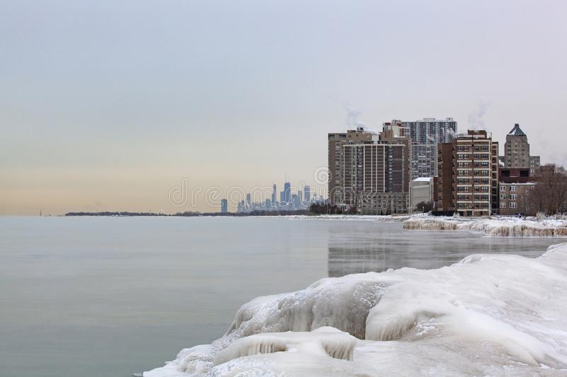 Frigid winter view of the Chicago Skyline from Loyola Pier stock photography