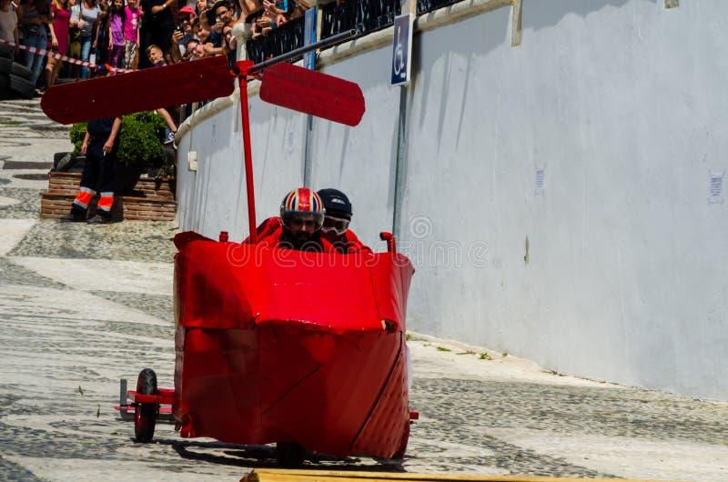 FRIGILIANA, ESPAÑA - 13 de mayo de 2018 ` de los locos de los automóviles del ` - diversión tradicional que implica el paseo de l imágenes de archivo libres de regalías