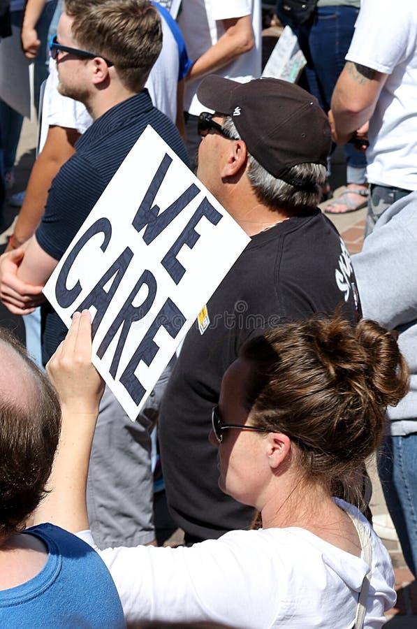 Frihet för invandrare masssamlar och marscherar i Denver arkivfoton