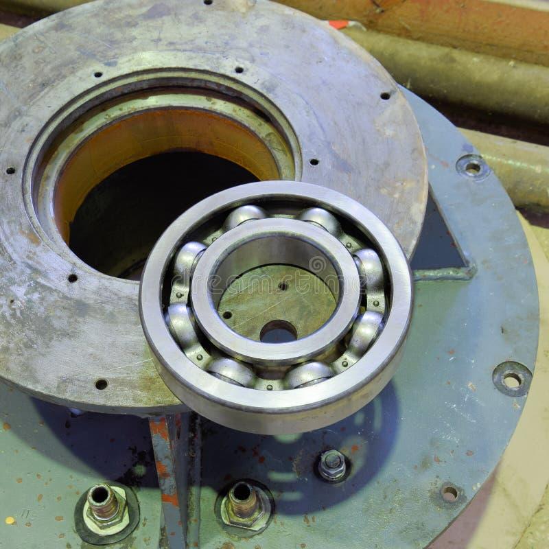 Friktionslager Detalj av en asynkron elektrisk motor Repa royaltyfri fotografi