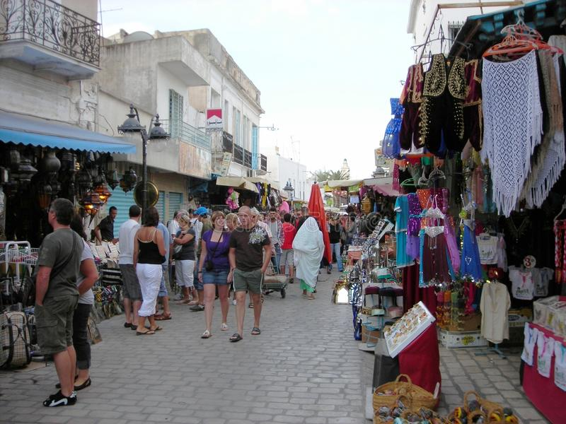 Frilufts- marknad i Nabeul, Tunisien arkivbild