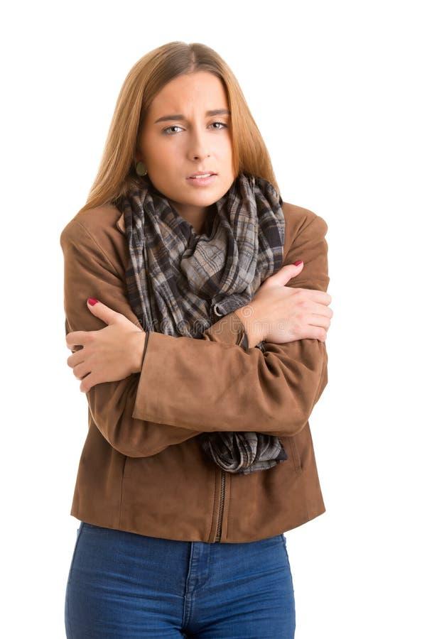Frio de sentimento da mulher fotografia de stock