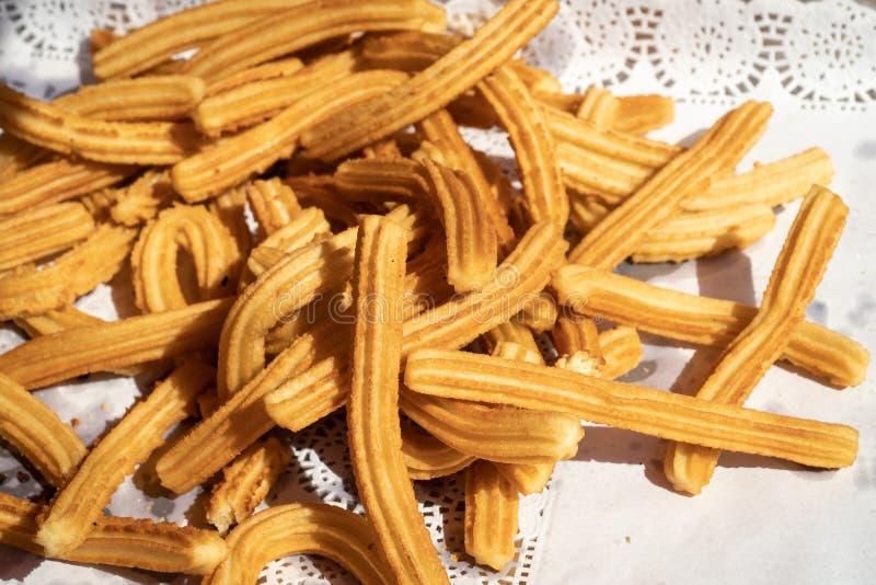Frisch gekochte churros stockfoto