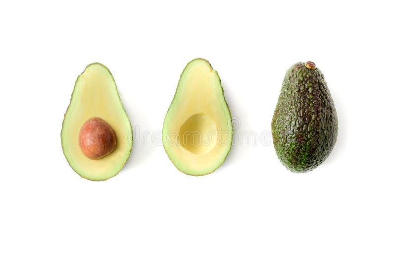 Frische Avocado getrennt auf weißem Hintergrund lizenzfreie stockfotografie
