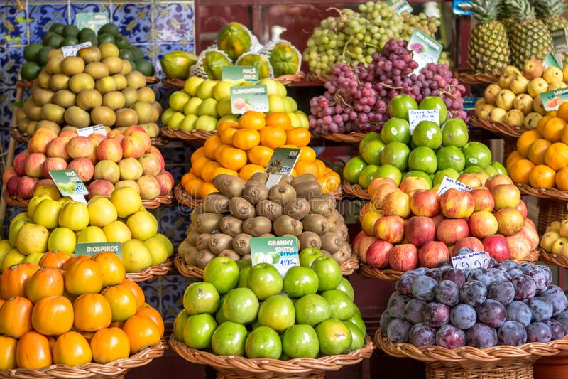 Frische exotische Früchte lizenzfreie stockbilder