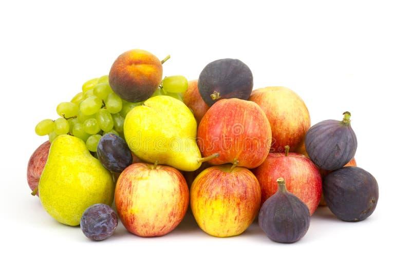 Frische Früchte auf Weiß stockfoto