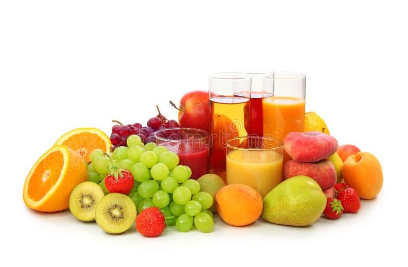 Frische Früchte und Saft stockfoto