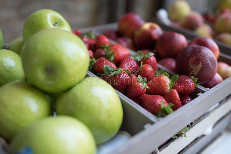 Frische Frucht an einer italienischen Hochzeit stockfotografie