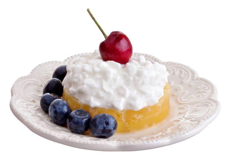 Frische Frucht mit Hüttenkäse stockfoto