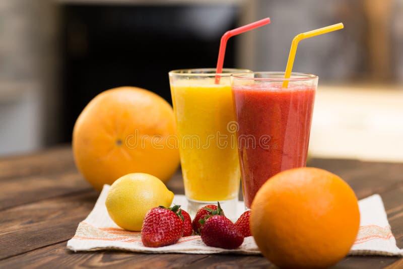 Frische Frucht Smoothies lizenzfreies stockfoto