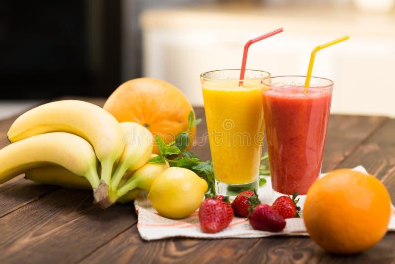 Frische Frucht Smoothies stockfoto
