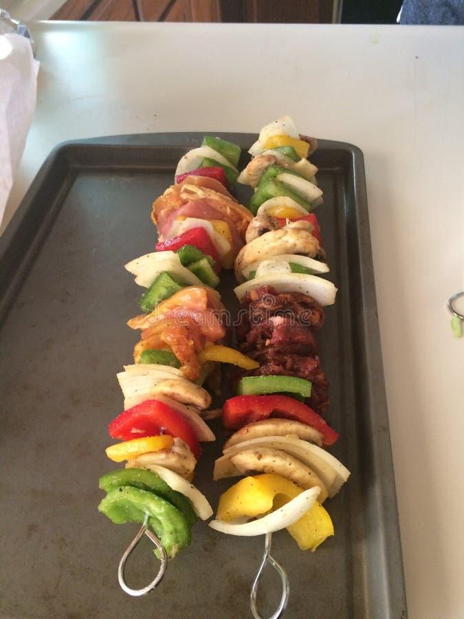 Frische gegrillte Kebabs stockbilder