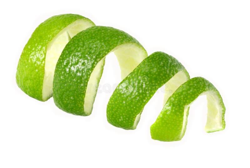 frische Kalkschale lokalisiert auf weißem Hintergrund Gesunde Nahrung lizenzfreies stockfoto