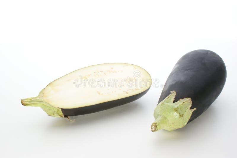 Frische organische Aubergine vom Garten lizenzfreies stockfoto