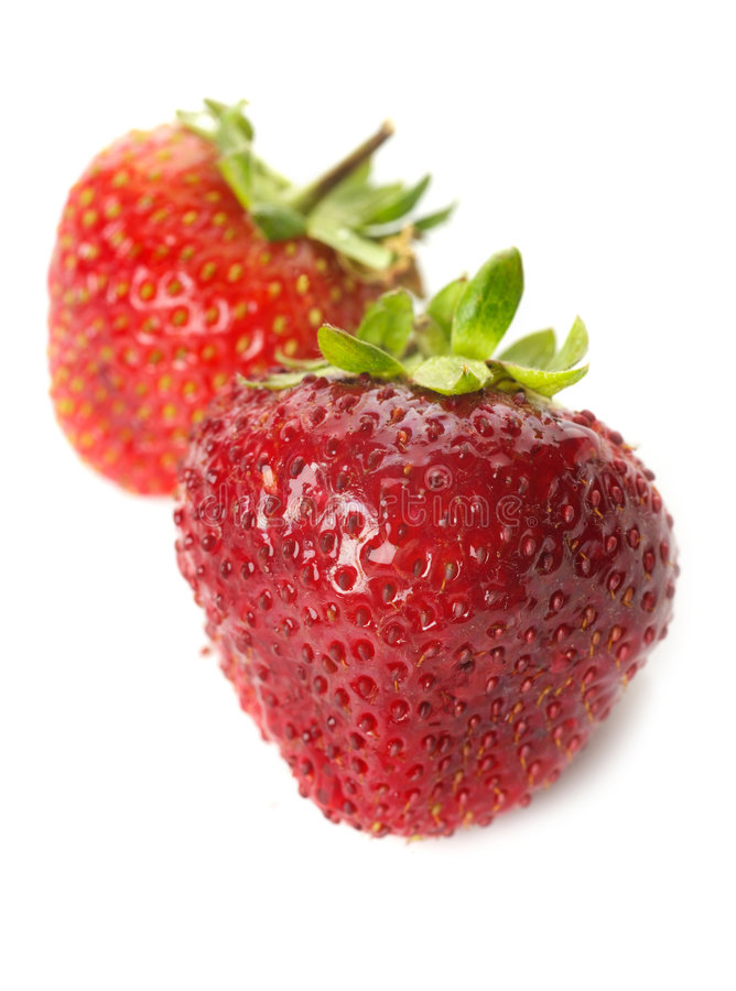 Frische reife Erdbeeren, getrennt stockfotografie