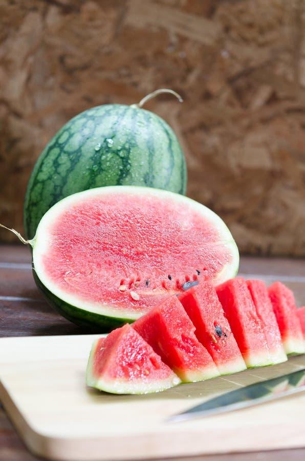 Frische rote Wassermelone essfertig stockfotos