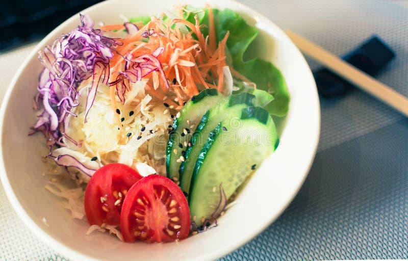 Frische Salatschüssel der Draufsicht stockbild